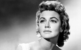 Dorothy Malone Shoe Size and Body Measurements