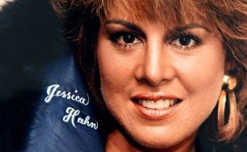 Jessica Hahn Shoe Size and Body Measurements