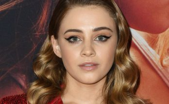 Josephine Langford Shoe Size and Body Measurements