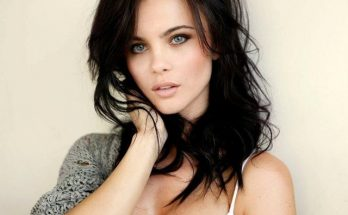 Emma Glover Shoe Size and Body Measurements