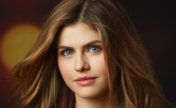 Alexandra Daddario Shoe Size and Body Measurements