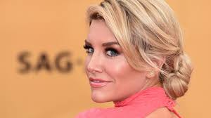 Charissa Thompson Shoe Size and Body Measurements