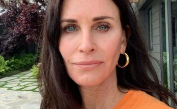 Courteney Cox Shoe Size and Body Measurements