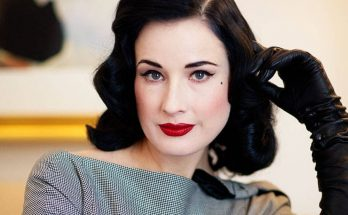 Dita Von Teese Shoe Size and Body Measurements