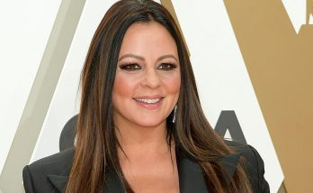 Sara Evans Shoe Size and Body Measurements