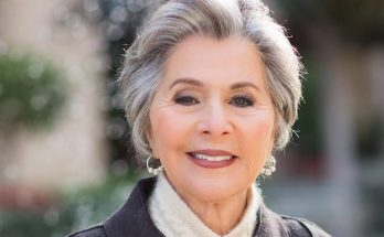 Barbara Boxer Shoe Size and Body Measurements