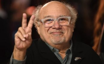 Danny DeVito Shoe Size and Body Measurements