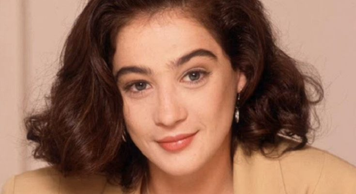 Moira Kelly Shoe Size and Body Measurements