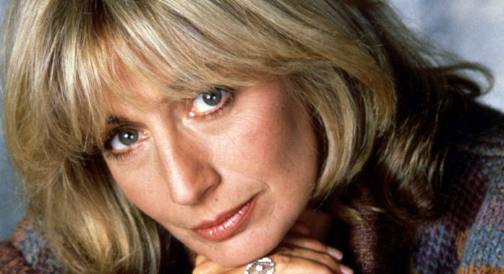 Penny Marshall Shoe Size and Body Measurements