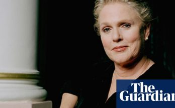 Sharon Gless Shoe Size and Body Measurements
