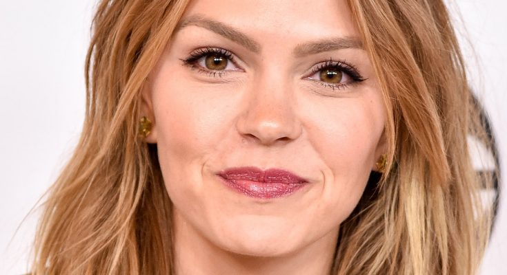 Aimee Teegarden Shoe Size and Body Measurements