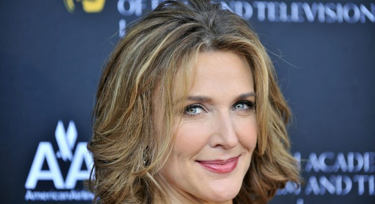 Brenda Strong Shoe Size and Body Measurements