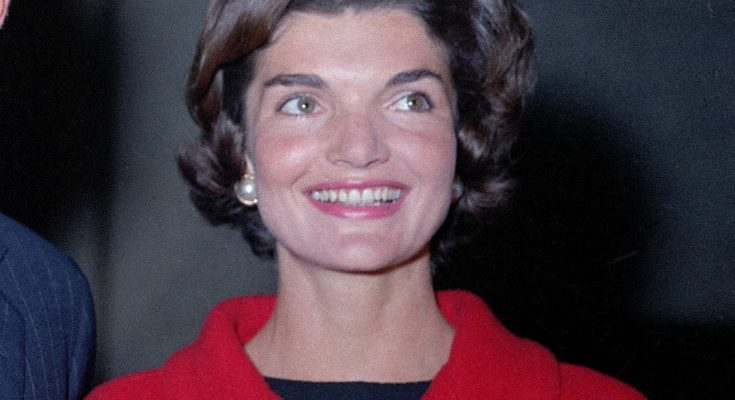 Jacqueline Kennedy Onassis Shoe Size and Body Measurements