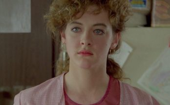 Joan Cusack Shoe Size and Body Measurements