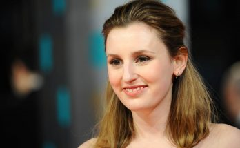 Laura Carmichael Shoe Size and Body Measurements