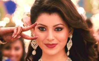Urvashi Rautela Shoe Size and Body Measurements