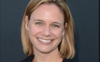 Andrea Barber Shoe Size and Body Measurements