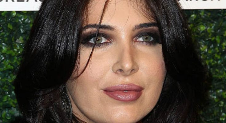 Brittny Gastineau Shoe Size and Body Measurements