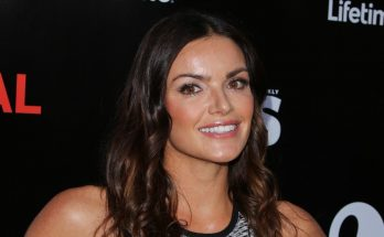 Courtney Robertson Shoe Size and Body Measurements