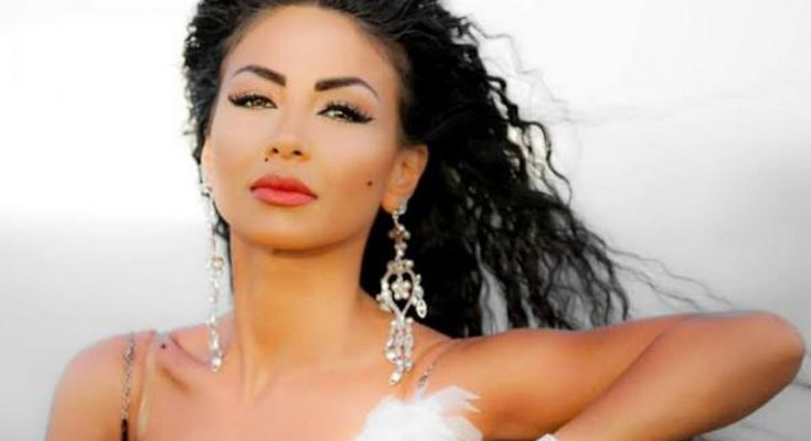 Dolly Shahine Shoe Size and Body Measurements
