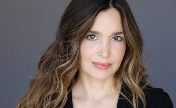 Gina Philips Shoe Size and Body Measurements