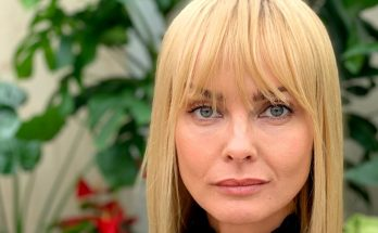 Izabella Scorupco Shoe Size and Body Measurements