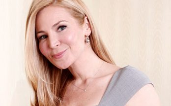 Jennifer Westfeldt Shoe Size and Body Measurements
