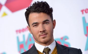Kevin Jonas Shoe Size and Body Measurements