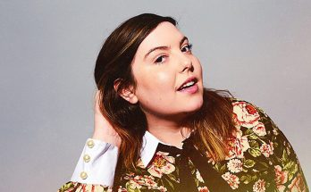 Mary Lambert Shoe Size and Body Measurements