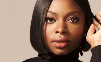 Naturi Naughton Shoe Size and Body Measurements