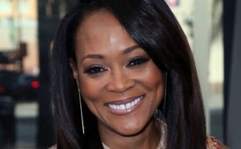 Robin Givens Shoe Size and Body Measurements