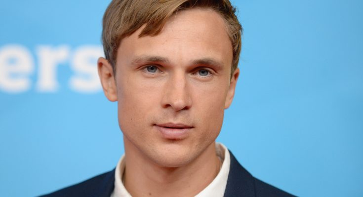 William Moseley Shoe Size and Body Measurements