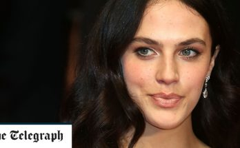 Jessica Brown Findlay Body Measurements Height Weight