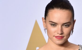 Daisy Ridley Weight Height Breasts Bra Size Dress Size