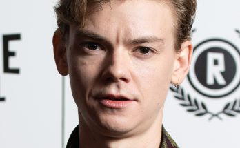 Thomas Brodie-Sangster Shoe Size